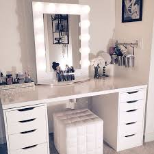 Portable Hair And Makeup Stations Best 25 Makeup Vanity Mirror Ideas On Pinterest Light Up Mirror