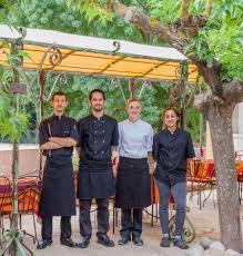equipe de cuisine notre chef de cuisine et équipe picture of la bastide