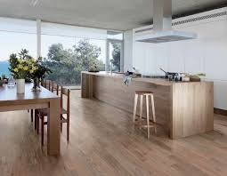 cuisine carrelage parquet sols et tapis carrelage imitation parquet cuisine ouverte salle
