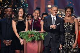 obama u0027s very last white house christmas card made the perfect