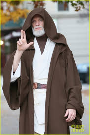 Neil Patrick Harris Family Halloween Costumes by Neil Patrick Harris Looks Unrecognizable As Obi Wan Kenobi For