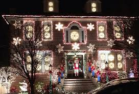 dyker heights holiday lights new york s dyker heights christmas lights extravaganza bus tour