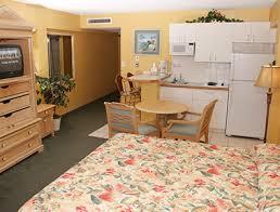 2 bedroom suites in daytona beach fl daytona beach suites queen poolview hawaiian inn beach resort