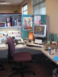 152 best work deco inspiration crowded office cubicle decoration computer set some books decobizz com