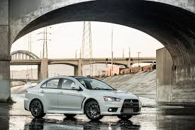 kereta mitsubishi evo sport mitsubishi usa waves goodbye to lancer evo with 2015 final edition