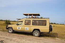 safari jeep looking for the big 5 u2013 it u0027s a game u2013 the bizarre globe hopper