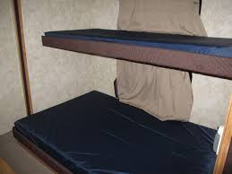 Travel Trailers Smokey Hollow Campground - Waterbed bunk beds