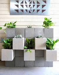 Concrete Block Garden Wall by Cinder Block Garden Wall Diy