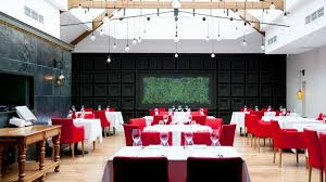 Valentine S Day Decor For Restaurant by Red Armchairs And White Table Cloth For Superb Ideas For