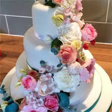 wedding cake nottingham wedding cakes nottingham big day blooms cakes
