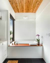 deckenle für badezimmer modernes bad mit holz 27 ideen für möbel boden wand decke