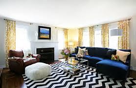 schwarz weiss wohnzimmer smarte anwendung chevron mustern im wohnzimmer