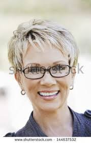 pictures of average peoples short hairstyles attractive short hairstyles for women over 50 with glasses short