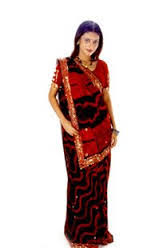 How To Drape A Gujarati Style Saree How To Wear A Saree In Gujarati Style Niveditha U0027s Blog