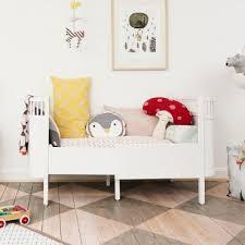 décoration de chambre bébé déco bébé tout pour décorer la chambre de bébé pop line