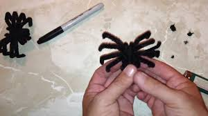 halloween spiders crafts make a realistic pipe cleaner spider youtube