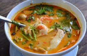 recette cuisine asiatique recette soupe aigre douce aux crevettes à la citronnelle tom yam