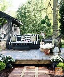 Diy Small Backyard Makeover Best 25 Backyard Makeover Ideas On Pinterest Back Yard