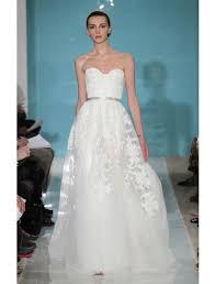 reem acra heavenly lace 4738 discount designer wedding dress