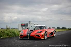 red koenigsegg agera r koenigsegg agera rs snapped in the wild gtspirit