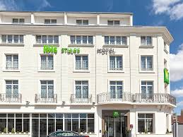 hotel in saumur ibis styles saumur gare centre