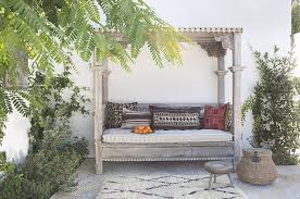 mediterranean style outdoor canopy daybed design ideas