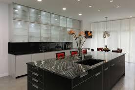cuisine en marbre cuisine avec marbre noir waaqeffannaa org design d intérieur et