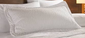 amazon com courtyard by marriott hotel 1 rippled pillow sham