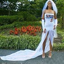 Wedding Dress Cast Imgur Pictures Show The Worst Wedding Dresses Ever Daily Mail Online