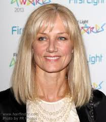medium lenght hair for old women joely richardson modern shoulder length hairstyle for a 50 years