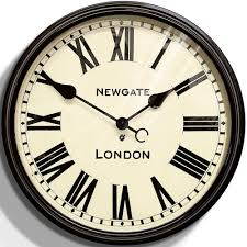 Wall Clocks Using Oversized Wall Clocks To Decorate Your Home