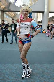 amazing costumes comic con cosplayers reveal what goes into their amazing costumes