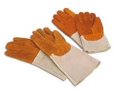 gant de cuisine anti chaleur gant chaleur cuisine en cuir petit modèle meilleurduchef com