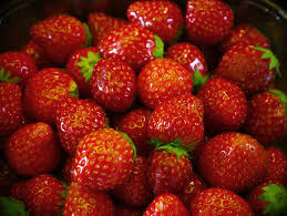 Decorative Ways To Cut Strawberries 6 Ways To Keep Your Fruits And Veggies Fresher For Longer