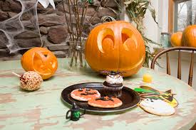 Halloween Cake Walk by How To Pull Off A Halloween Baby Shower Theme