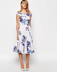 dress for wedding guest abroad wedding guest fashion 20 fab florals buys weddingsonline