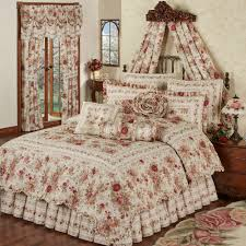 heirloom 4 pc floral quilt set