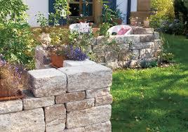 Steine Fur Gartenmauer Klassikline Gartenmauer Antik Produktfinder Klostermann Beton