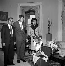 Jackie Kennedy White House Restoration Jfk And Jackie Kennedy In The Yellow Oval Room In The White House