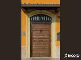 porte ingresso in legno porta d ingresso in legno massello by ercole