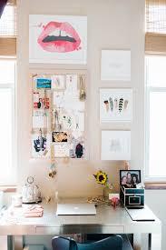Things To Put On A Desk Best 25 Dorm Desk Decor Ideas On Pinterest Dorm Desk Easy Diy