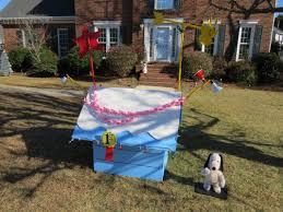 snoopy christmas dog house snoopy s christmas doghouse christmas fanclub