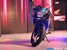 cbr 150rr price in india honda showcases cbr150r cbr250r with updates for 2015