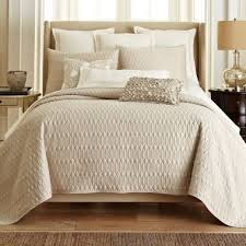 What Is A Bed Set Comforter And Coverlet Set 752 Best Bedding Images On Pinterest