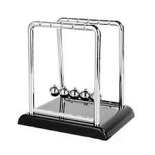 pendule de bureau pendule anti stress plastique de bureau avec boules en acier idée