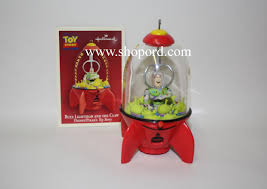 hallmark 2004 buzz lightyear and the claw ornament disney pixars