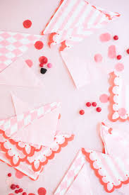 pretty paper napkin garland diy