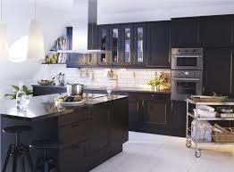 cuisine marbre noir cuisine moderne orange avec marbre noir chaios com