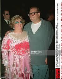 Halloween Usa Costumes 10 31 97 Kathy Kinney U0027 Mimi U0027 With Drew Carey At The Annual