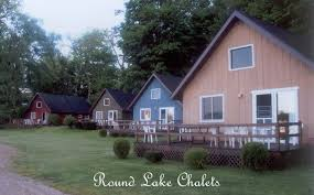 round lake chalets beautiful lakefront rental cottages on round